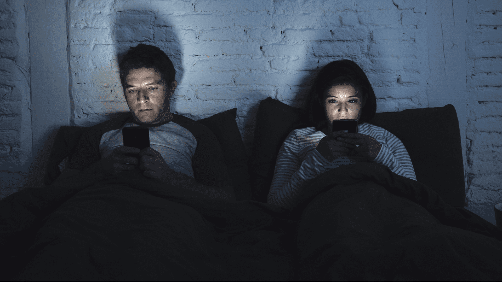 Couples Who Post About Their Relationship On Social Media Are Psychologically Problematic 1