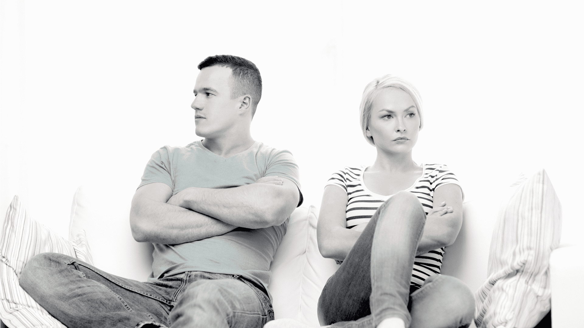 6 Signs That Your Partner Isn't Loyal To You Even Though