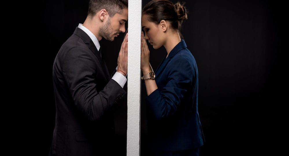 3 Real Betrayals That Destroy The Trust In Any Relationship 5