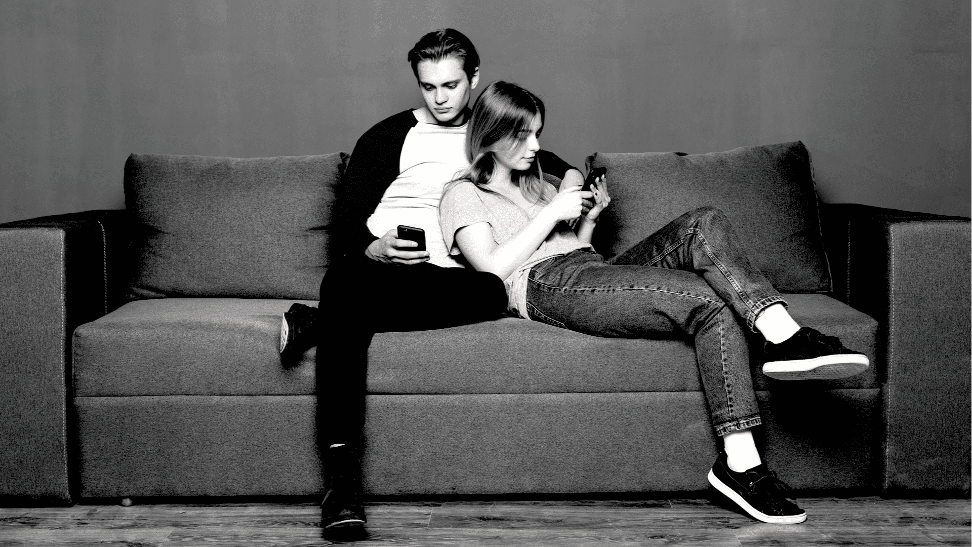 Couples Who Post About Their Relationship On Social Media Are Psychologically Problematic 10