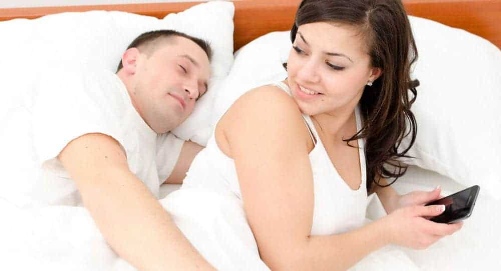 11 Signs Your Wife Is Cheating On You