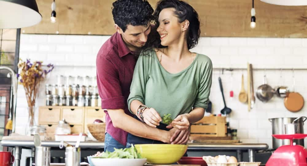 10 Reasons Why Couples Who Cook Together Are The Strongest