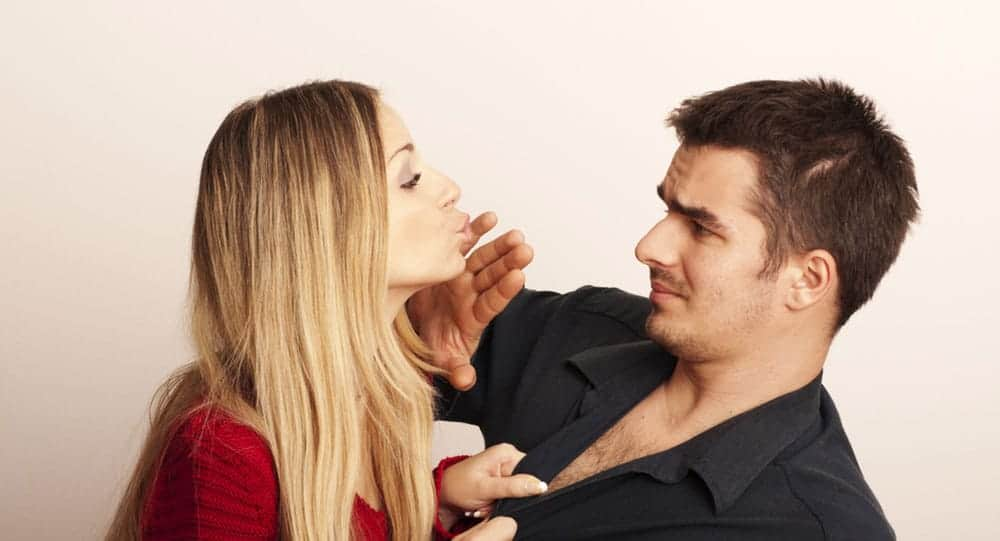 8 Unfortunate Signs That He Doesn't Love You 1