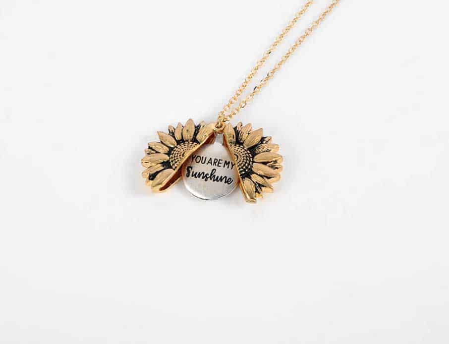 This Sunflower Necklace Is The Perfect Gift For Your Girlfriend